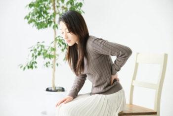 女性 足が太い 原因 浅く腰掛ける