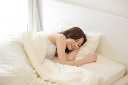 北枕で寝るとどうなる