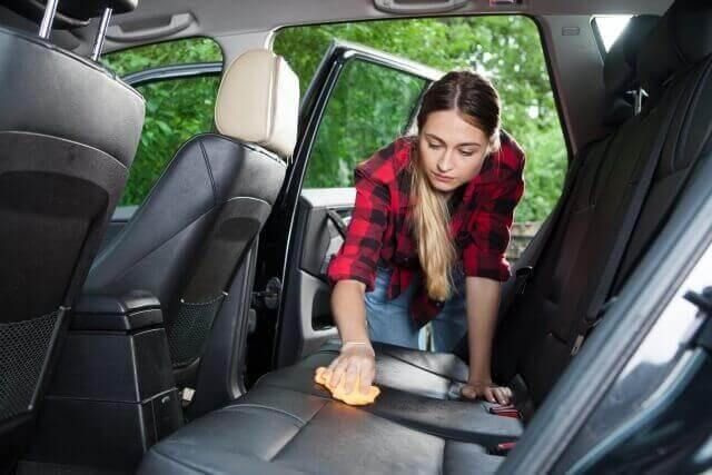 灯油 こぼした 車内 シート