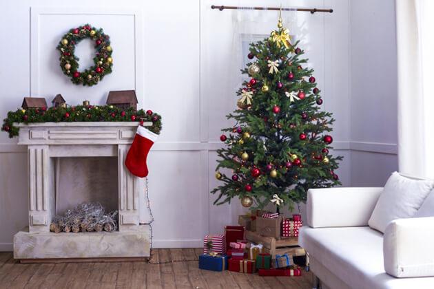 クリスマスリース 玄関 意味 内側 外側