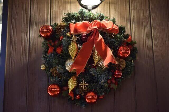 クリスマスリース 玄関 いつから いつまで