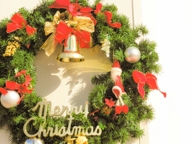 クリスマスリース 玄関 意味