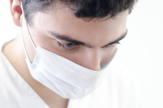 イタリア コロナウイルス 感染者 マスク