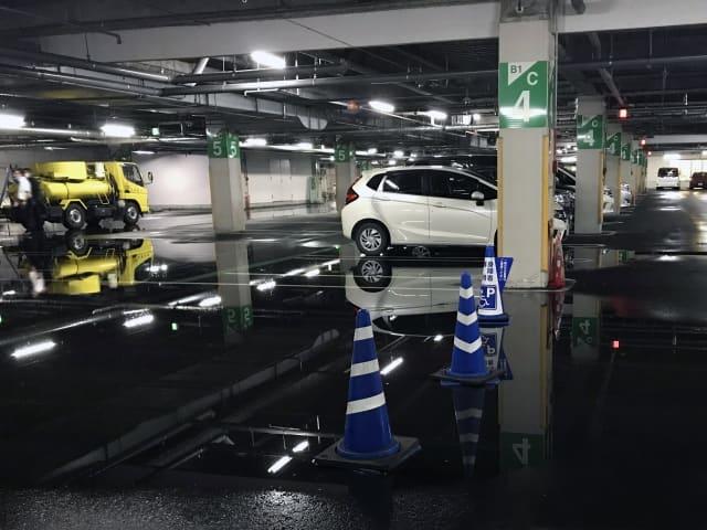 台風 駐車場 車 浸水